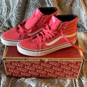 💖NWT 💖 VANS High Top Sneakers